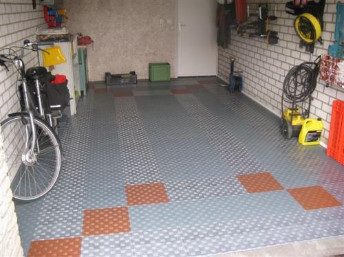 Garagevloertegels voor het eenvoudig leggen van garagevloeren